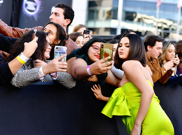 2019 American Music Awards「2019 American Music Awards - Red Carpet」:写真・画像(10)[壁紙.com]