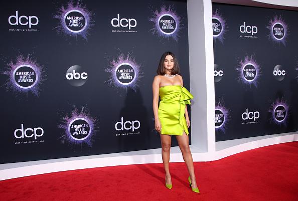 Selena Gomez「2019 American Music Awards - Arrivals」:写真・画像(8)[壁紙.com]