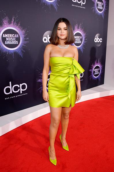 Selena Gomez「2019 American Music Awards - Red Carpet」:写真・画像(14)[壁紙.com]