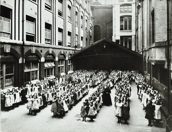 Tower Hamlets「Assembly In The Playground, Jews' Free School, Stepney, London, 1908. Artist: Unknown.」:写真・画像(15)[壁紙.com]