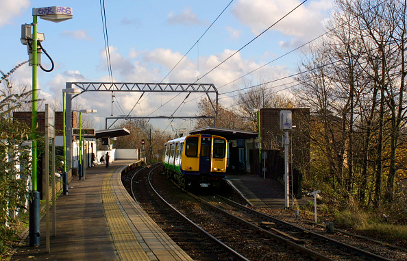 Finance and Economy「A Silverlink Metro service on the North London Line」:写真・画像(9)[壁紙.com]