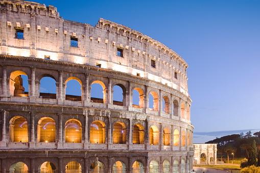Roman「Colosseum and arch of Constantine, Rome, Lazio, Italy」:スマホ壁紙(1)