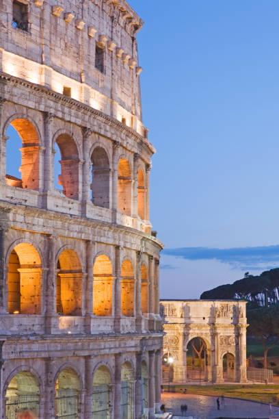 Colosseum and arch of Constantine, Rome, Lazio, Italy:スマホ壁紙(壁紙.com)