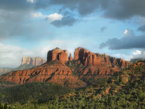 Sedona「USA, Arizona, Sedona, Rock formation at dusk」:スマホ壁紙(12)