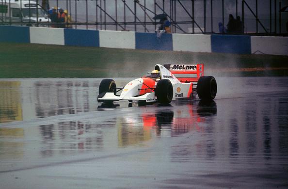 Siena - Italy「Ayrton Senna in the McLaren MP4-8 1993 European Grand Prix at Donington」:写真・画像(9)[壁紙.com]