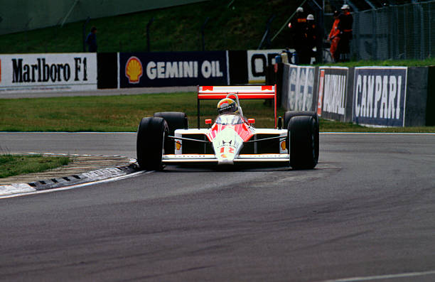 Ayrton Senna in the McLaren MP4-4 1988 British Grand Prix Silverstone:ニュース(壁紙.com)