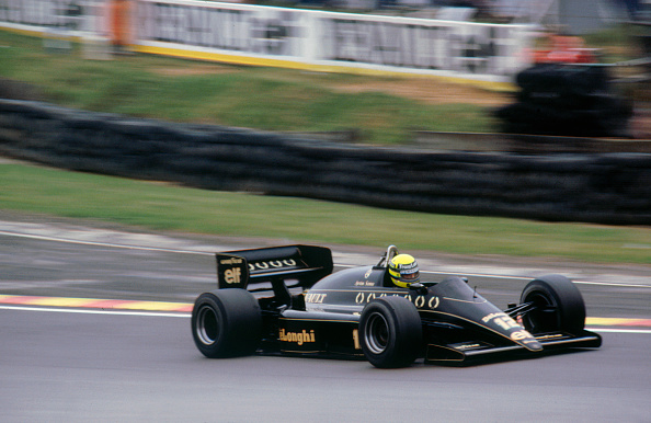 Siena - Italy「Ayrton Senna in the Lotus 98T at 1985 British Grand Prix Brands Hatch」:写真・画像(14)[壁紙.com]