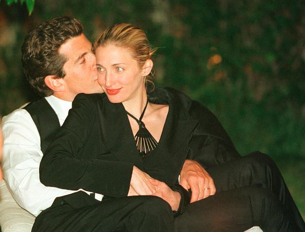 Wife「John F. Kennedy, Jr. and Wife Carolyn」:写真・画像(11)[壁紙.com]