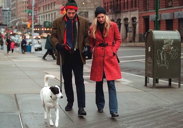 歩く「John F. Kennedy Jr. Walks with Wife」:写真・画像(19)[壁紙.com]
