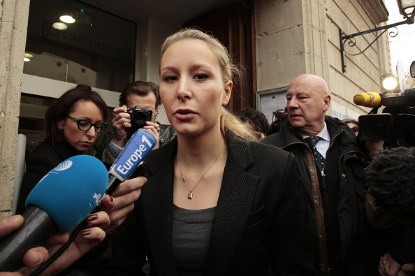 French Press「French Far-Right National Front Marion Marechal Le Pen Votes For France Regional Elections At Carpentras」:写真・画像(19)[壁紙.com]