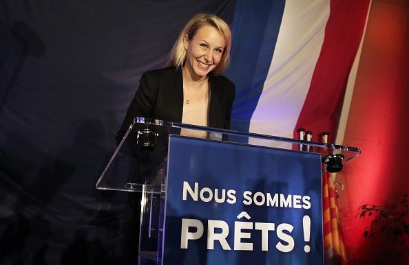 政治と行政「French Far-Right National Front Marion Marechal Le Pen's Meeting For France Regional Elections At Le Pontet」:写真・画像(11)[壁紙.com]