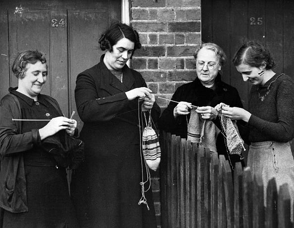Knitting「Women Knitters」:写真・画像(7)[壁紙.com]