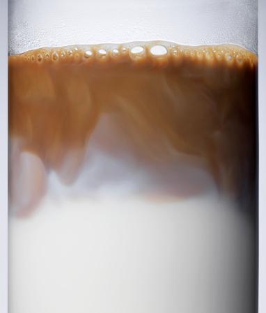 Latte「Latte in glass, close-up」:スマホ壁紙(17)