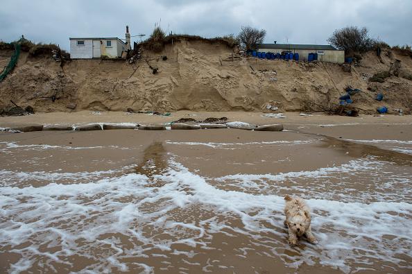 Eroded「Residents Of Hemsby Cliff Edge Houses Evacuated」:写真・画像(11)[壁紙.com]