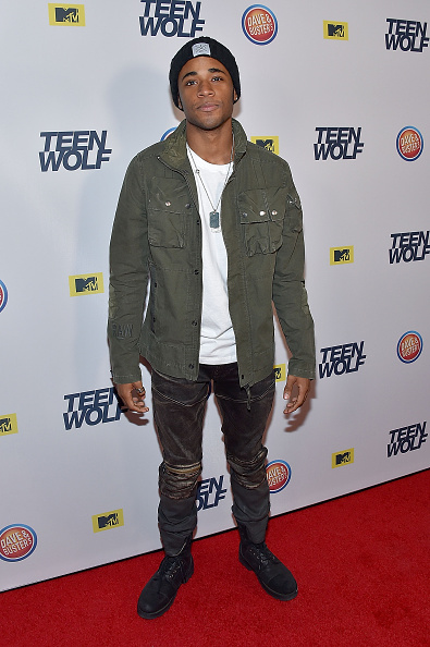 Fully Unbuttoned「MTV Teen Wolf Los Angeles Premiere Party - Arrivals」:写真・画像(7)[壁紙.com]