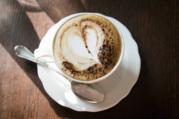 Cafe fresh cappucino coffee with heart swirl:スマホ壁紙(壁紙.com)