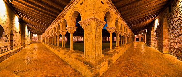 Camino De Santiago「Cloister of Saint-Pierre abbey in Moissac」:スマホ壁紙(4)