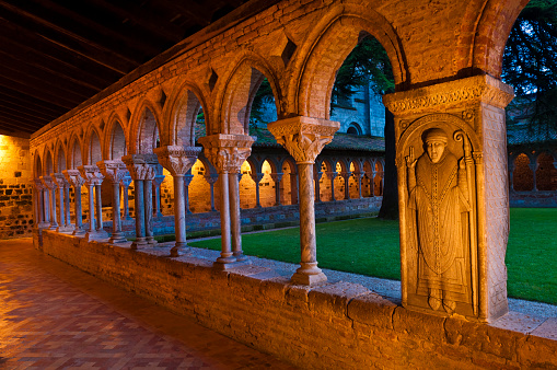 Camino De Santiago「Cloister of Saint-Pierre abbey in Moissac」:スマホ壁紙(5)