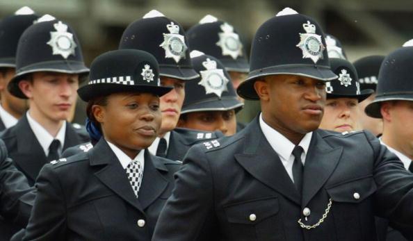 Multi-Ethnic Group「Metropolitan Police Service 175th Anniversary」:写真・画像(11)[壁紙.com]