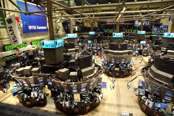 Flooring「U.S. Stock Market Closes Up On Last Day Of 2008」:写真・画像(8)[壁紙.com]