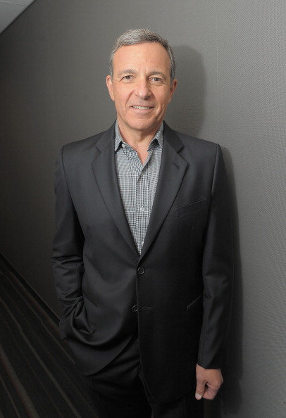 ボブ アイガー「Disney CEO Robert Iger Visits FOX Business Network's 'Markets Now'」:写真・画像(9)[壁紙.com]