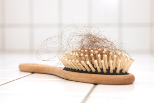 Lost「Hair loss in hairbrush on white tiles」:スマホ壁紙(5)