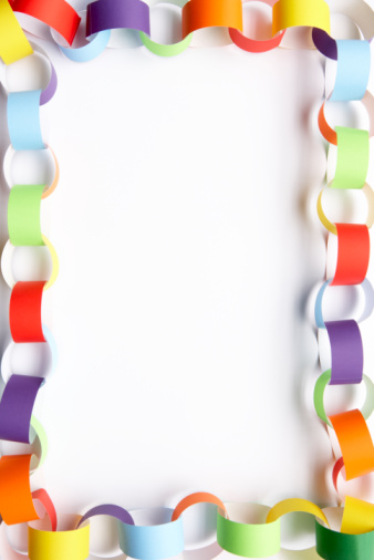 Paper Craft「Border Made From Colourful Paper Chain Against White Background」:スマホ壁紙(5)