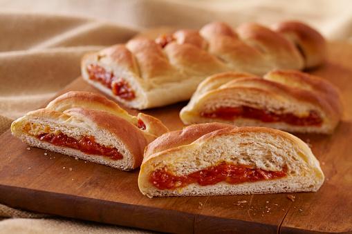 盆「Apricot Stuffed Braided Bread」:スマホ壁紙(5)