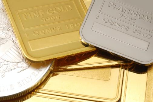 Number 100「Gold, Platinum and silver - close-up」:スマホ壁紙(15)