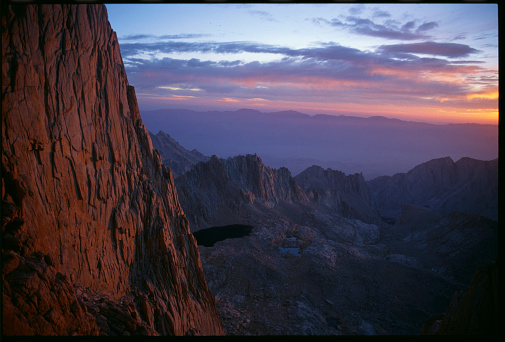 Inyo National Forest「Sun Rising at Mount Whitney」:スマホ壁紙(18)