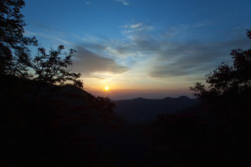 Nikko City「Sun Rising Over Mountains」:スマホ壁紙(16)