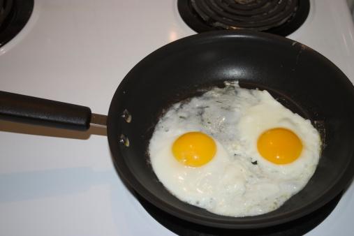 Griddle「Two eggs sunny side up」:スマホ壁紙(2)