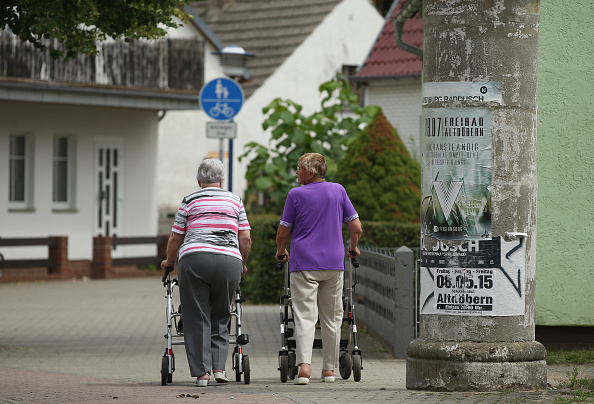 Senior Adult「Eastern Germany 25 Years Since German Reunification」:写真・画像(19)[壁紙.com]
