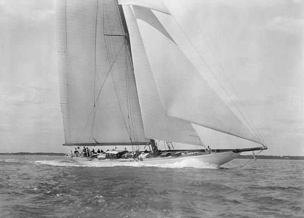 Cutting「Deck Of The 23-Metre Cutter Astra Sailing Close-Hauled」:写真・画像(19)[壁紙.com]