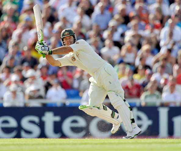 West Yorkshire「Cricket Test Match England v Australia at Headingley Stadium Leeds 2009」:写真・画像(19)[壁紙.com]