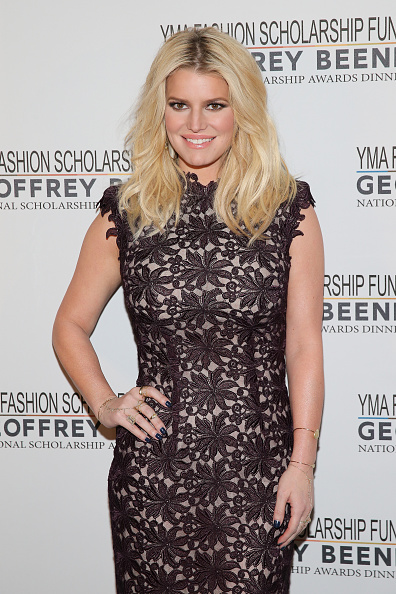 Jessica Simpson「YMA Fashion Scholarship Fund Geoffrey Beene National Scholarship Awards Gala」:写真・画像(8)[壁紙.com]