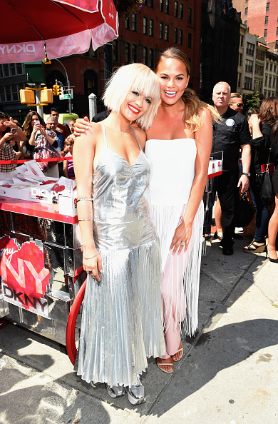Silver Shoe「DKNY Celebrates The Launch Of The New DKNY MYNY Fragrance With Rita Ora, Chrissy Teigen, Hannah Bronfman, Among Other NY Notables」:写真・画像(12)[壁紙.com]