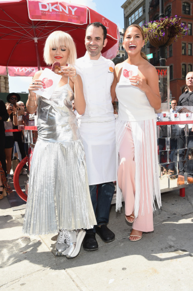 Silver Shoe「DKNY Celebrates The Launch Of The New DKNY MYNY Fragrance With Rita Ora, Chrissy Teigen, Hannah Bronfman, Among Other NY Notables」:写真・画像(8)[壁紙.com]