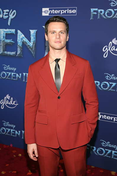 "Full Suit「World Premiere Of Disney's ""Frozen 2""」:写真・画像(6)[壁紙.com]"