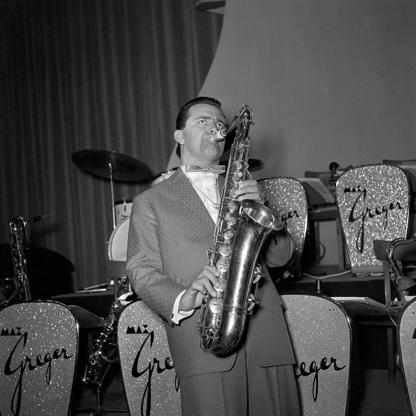 Saxophonist「Max Greger」:写真・画像(18)[壁紙.com]