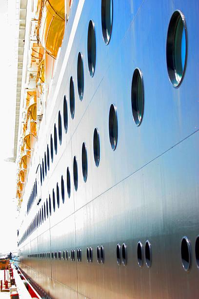 Cruise line:スマホ壁紙(壁紙.com)