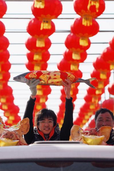 Fisherman「Fishermen Celebrate Fish Lantern Festival In Yantai」:写真・画像(12)[壁紙.com]