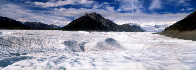 Kennicott Glacier「Kennicott Glacier from ice field, Wrangell Mountains in background」:スマホ壁紙(13)