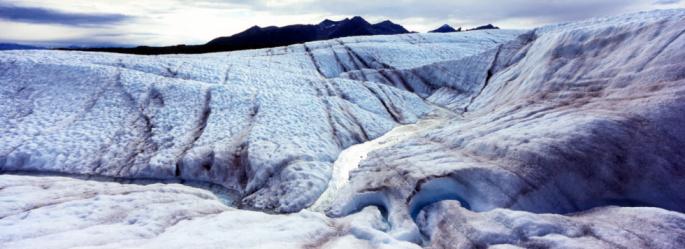 Kennicott Glacier「Kennicott Glacier from ice field, Wrangell Mountains in background」:スマホ壁紙(9)