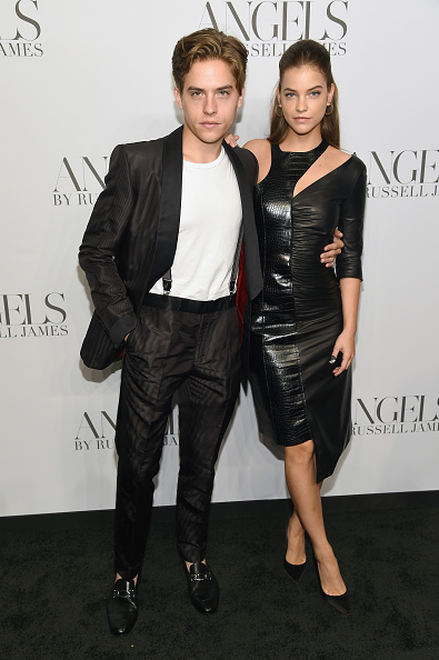 """Book Release「Cindy Crawford And Candice Swanepoel Host """"ANGELS"""" By Russell James Book Launch And Exhibit - Arrivals」:写真・画像(19)[壁紙.com]"""