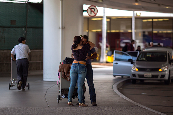 LAX Airport「Security Tightened At LAX During Busy Fourth Of July Weekend」:写真・画像(6)[壁紙.com]