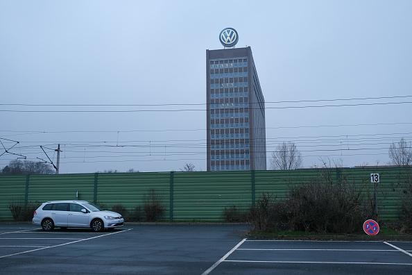 Wolfsburg - Lower Saxony「Volkswagen Automobile Production At Wolfsburg Plant」:写真・画像(1)[壁紙.com]