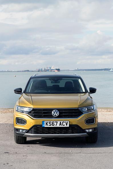 Finance and Economy「2017 Volkswagen T-Roc.」:写真・画像(4)[壁紙.com]