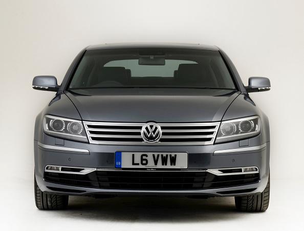 Facade「2012 Volkswagen Phaeton」:写真・画像(19)[壁紙.com]