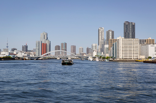 Japan「Along the Sumida River in the Chuo Ward, Tokyo the Surrounding Area is Mixed with Commercial, Residential and Industrial Buildings.」:スマホ壁紙(6)
